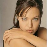 Amazing Facts About Angelina Jolie !!!!