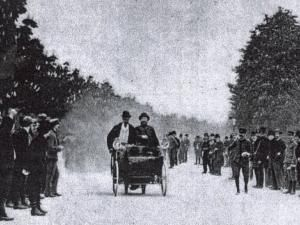 worlds_oldest_car_winning_motor_race